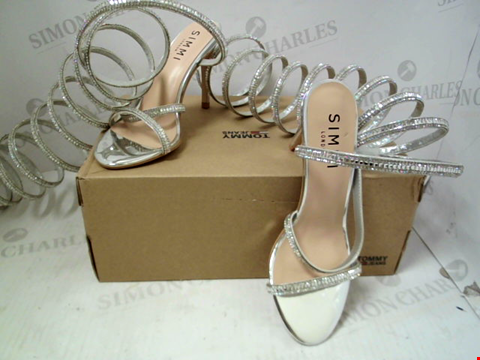 Lot 74 BOXED PAIR OF DESIGNER SIMMI LONDON HEELS - UK SIZE 4