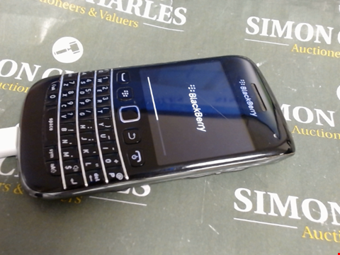 Lot 620 BLACKBERRY MOBILE PHONE