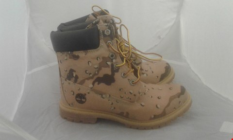 Lot 2028 PAIR OF TIMBERLAND SIZE 5.5