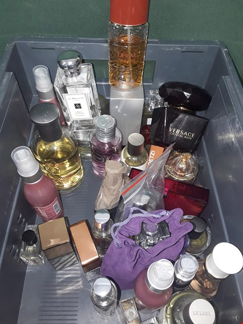Lot 35 A BOX OF APPROXIMATELY 30 ASSORTED FRAGRANCES TO INCLUDE JO  MALONE, VERSACE, YSL ETC