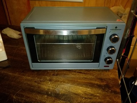 Lot 36 COOKS ESSENTIALS 30L TOASTER OVEN