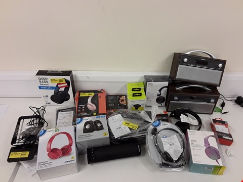 Lot 102 LOT OF APPROXIMATELY 35 ASSORTED ELECTRONIC ITEMS TO INCLUDE MIXX AUDIO EARPHONES, BLACKWEB WIRELESS HEADPHONES, ONN POCKET RADIO ETC