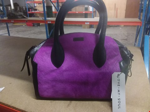 Lot 12786 'LOVE MY SOUL' TEXTURED LEA LADIES HANDBAG (BLACK LEATHER LOOK WITH PURPLE TEXTURED PANEL) RRP £165.00