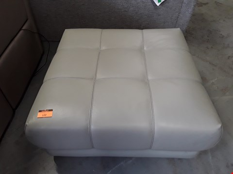Lot 122 QUALITY DESIGNER ITALIAN VIVALDI GREY LEATHER SQUARE FOOTSTOOL