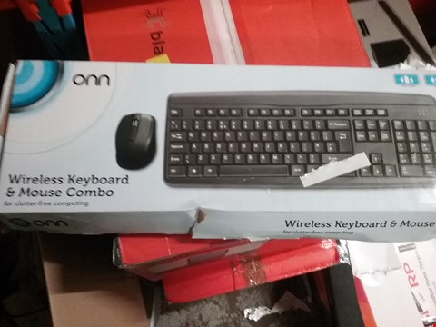 Lot 1292 2 × BOXED WIRELESS KEYBOARD AND MOUSE COMBO