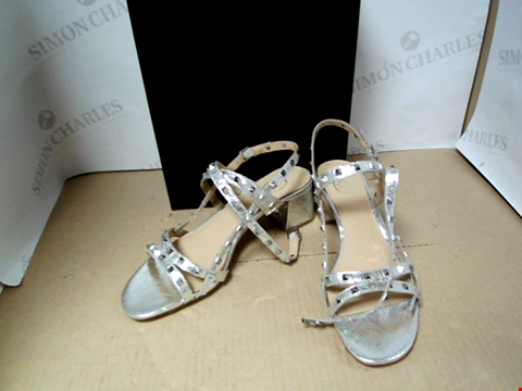 Lot 7137 ASH IMAN STUD DETAIL BLOCK HEEL SILVER SHOES - SIZE 7 UK