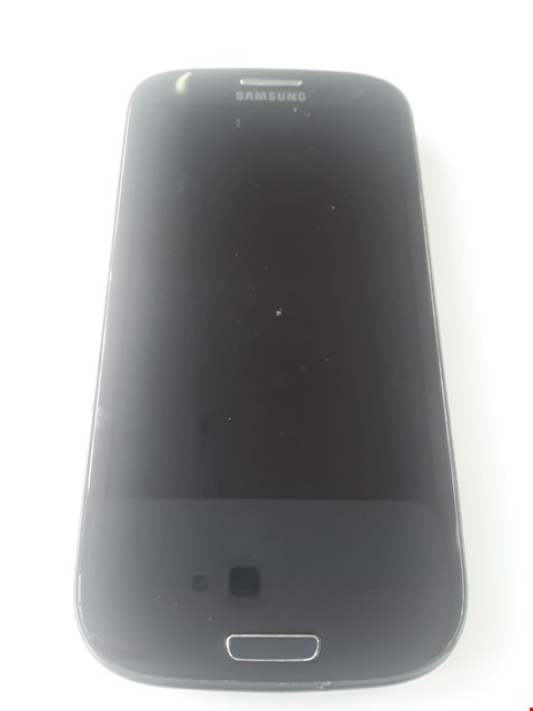 Lot 18 SAMSUNG GALAXY S3 I9300 BLACK MOBILE PHONE