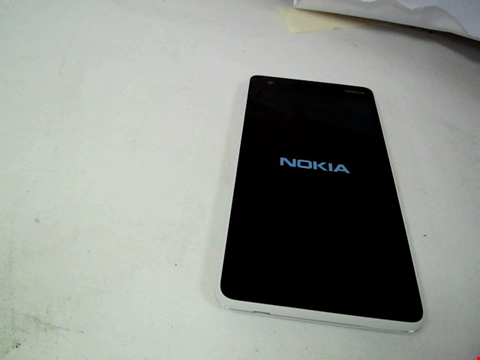 Lot 113 NOKIA 2.1 GREY/SILVER WITH CASE