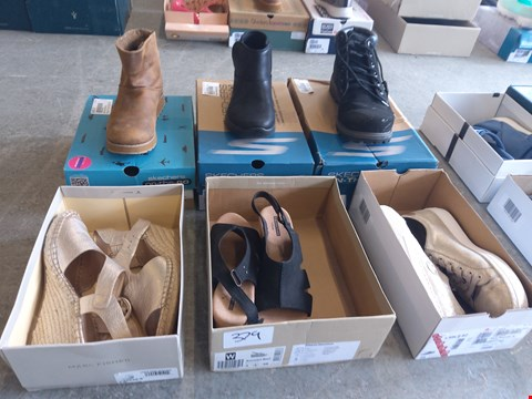 Lot 379 6 PAIRS OF FOOTWEAR TO INCLUDE: SKECHERS, MARC FISHER