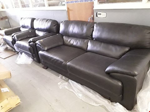 Lot 210 QUALITY ITALIAN DESGINER BLACK LEATHER FIXED SUITE, COMPRISING, THREE SEATER SOFA & PAIR EASY CHAIRS