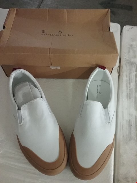 Lot 75 BOXED SAINT AND BIRCHLEY LAPSO SLIP ON - WHITE, SIZE 9 UK
