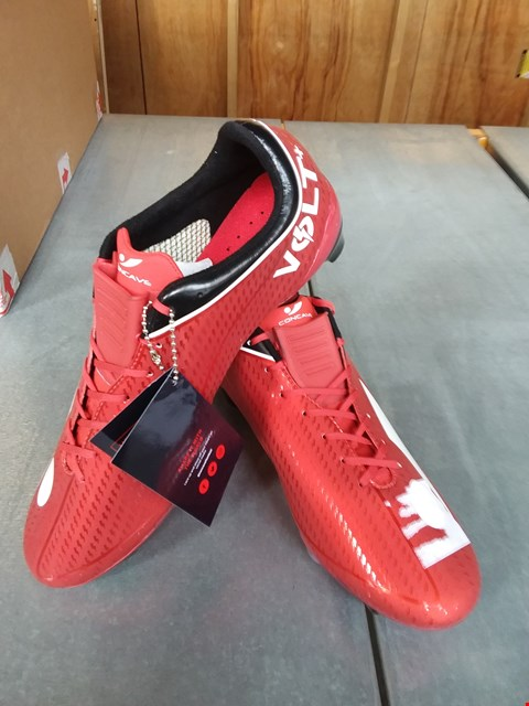 Lot 7068 CONCAVE VOLT RED FOOTBALL BOOTS SIZE 7.5