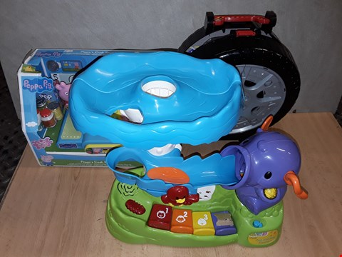Lot 8484 LOT OF 3 ASSORTED TOY ITEMS TO INCLUDE POP N PLAY ELEPHANT, TEAMSTEREZ AND PEPPA PIG CASH REGISTER RRP £94.00