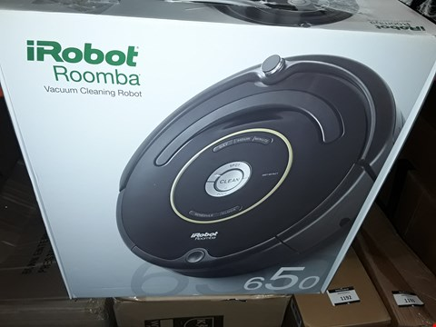 Lot 1182 IROBOT ROOMBA VACUUM CLEANING ROBOT