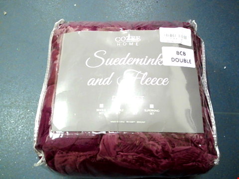 Lot 44 COZEE HOME FEATHER EMBOSSED SUEDEMINK AND FLEECE DOUBLE SHEET IN SHIRAZ