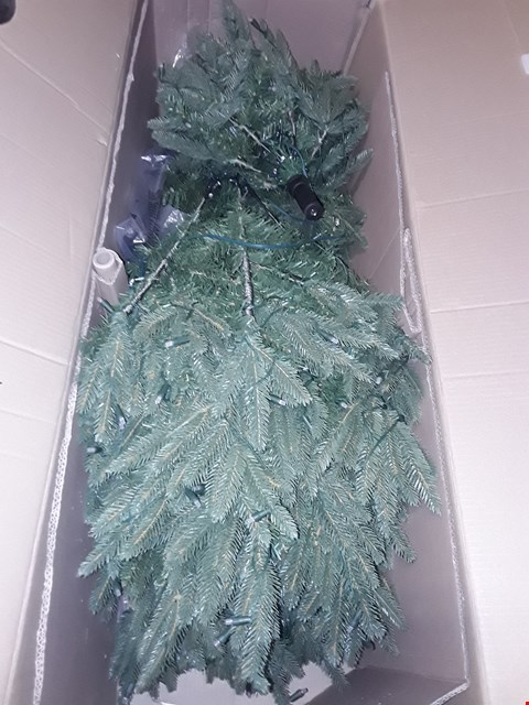 Lot 559 SNOW DUSTED FUCNTION TREE 7FT NATURAL