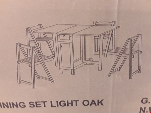 Lot 32 DESIGNER BOXED SAVOY LIGHT OAK FOLD AWAY DINING SET