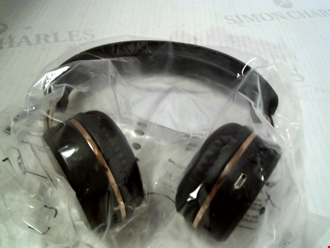 Lot 5558 KITSOUND METRO X WIRELESS BLUETOOTH ON-EAR HEADPHONES WITH CALL HANDLING  RRP £25.00