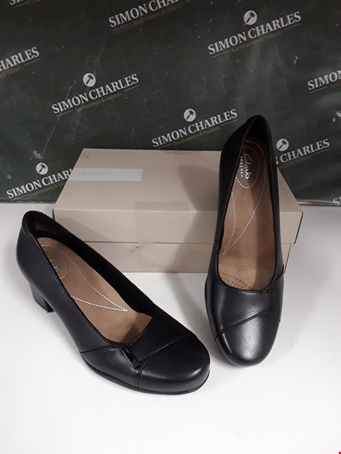 Lot 12118 BRAND NEW CLARKS ROSALYN BELLE BLACK FAUX LEATHER HIGH HEEL SHOES SIZE UK8D