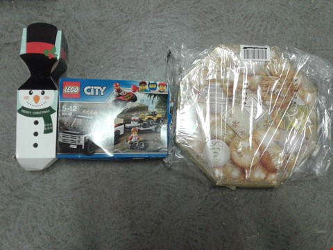 Lot 2409 LOT OF 3 GRADE 1 ITEMS TO INCLUDE LEGO CITY GREAT VEHICLES ATV RACE TEAM, YANKEE CANDLE WREATH ADVENT CALENDER AND A PERSONALISED SNOWMAN CRACKER GIFT RRP £70