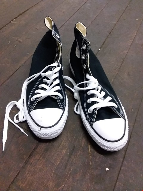 Lot 25 BOXED CONVERSE ALL STAR HI TOP CANVAS TRAINERS - BLACK/WHITE SIZE 11