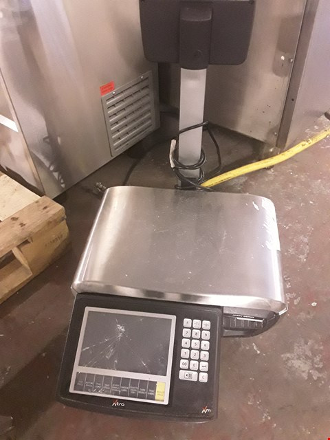 Lot 37 AVERY XM200 SCALES WITH PRINTER