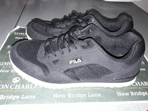 Lot 9040 FILA DESIGNER TRAINERS IN BLACK UK SIZE 9