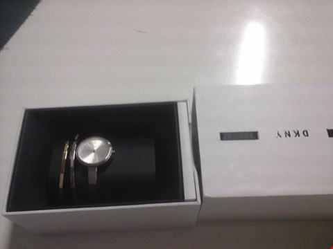 Lot 1536 BOXED DKNY HOLIDAY WATCH & BRACELET GIFT SET  RRP £249