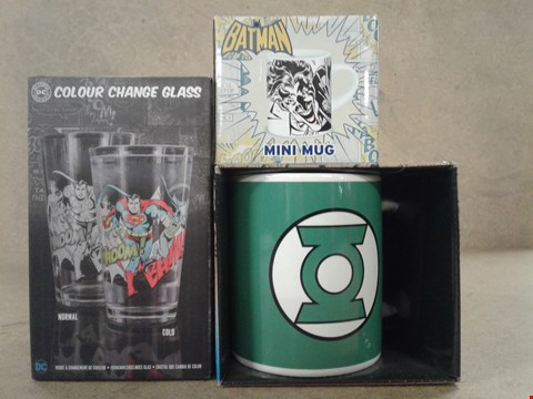 Lot 491 3 BRAND NEW BOXED ITEMS TO INCLUDE DC COMICS COLOUR CHANGE GLASS , BATMAN MINI MUG AND A JUSTICE LEAGUE AMERICA MUG