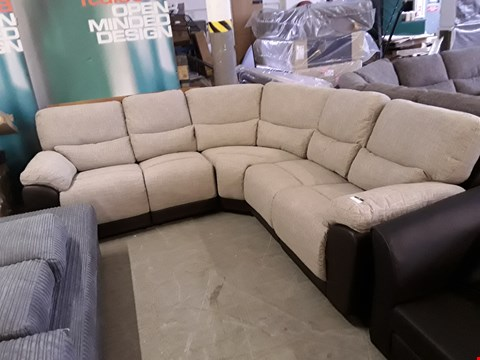 Lot 35 DESIGNER BLACK FAUX LEATHER AND BEIGE WEAVE FABRIC SANTORI MANUAL RECLINING CORNER GROUP  RRP £1699.00