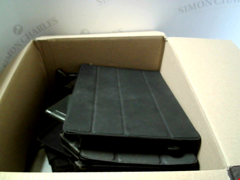 Lot 6217 BOX OF ASSORTED PHONE AND TABLET CASES ETC