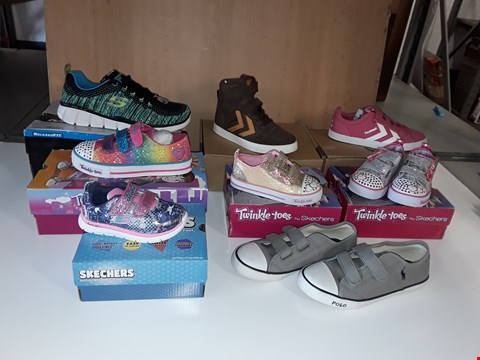 Lot 12797 LOT OF APPROXIMATELY 13 ASSORTED PAIRS OF SHOES TO INCLUDE RALPH LAUREN, SKETCHERS, HUMMEL