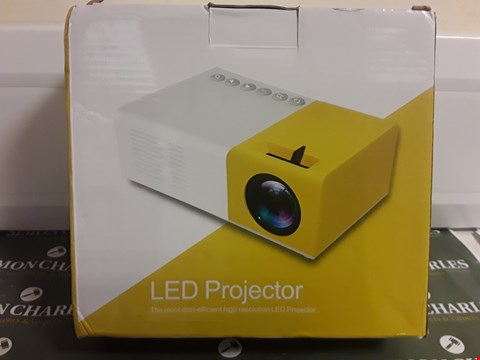Lot 1544 BOXED LED PROJECTOR