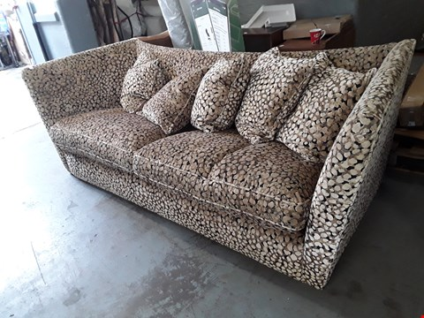 Lot 2018 QUALITY BRITISH DESIGNER EMBOSSED LEOPARD PRINT RICHMONDE BONGO LARGE 3 SEATER SOFA