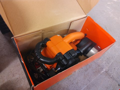 Lot 9005 BOXED BLACK AND DECKER BELT SANDER