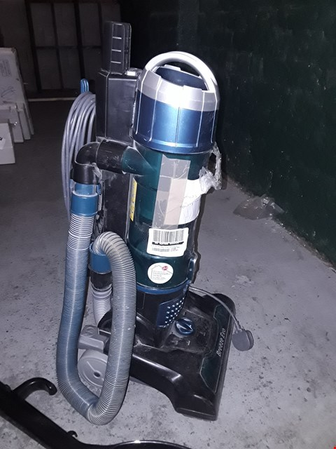 Lot 254 HOOVER BREEZE UPRIGHT VACUUM CLEANER  RRP £120