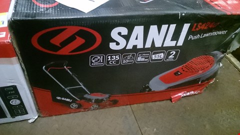 Lot 599 BOXED SANLI PUSH PETROL LAWNMOWER