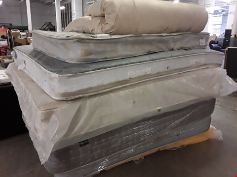 """Lot 1088 PALLET OF APPROXIMATELY 7 ASSORTED MATTRESSES, INCLUDING, 4'6"""" DOUBLE FOGARTY PILLOW TOP. MEMORY FOAM DOUBLE."""