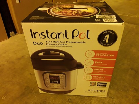 Lot 6345 INSTANT POT 7 IN 1 PRESSURE COOKER