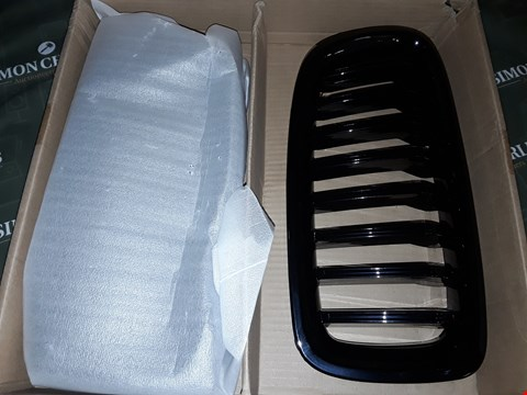 Lot 5112 BMW FRONT GRILLS  SERIES UNSPECIFIED