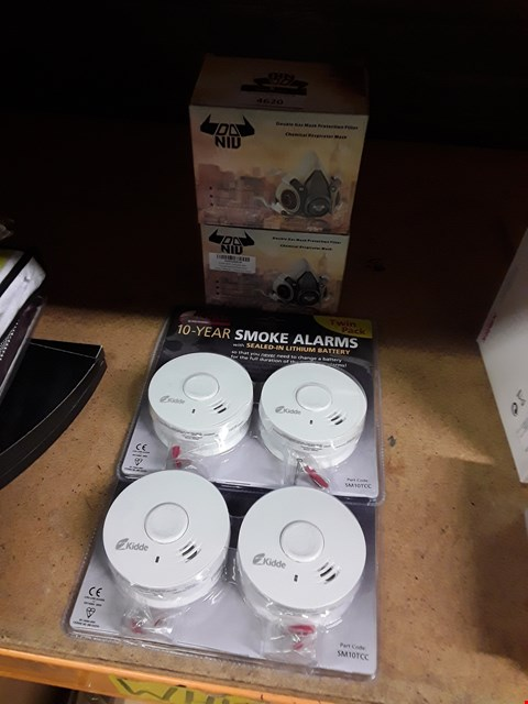 Lot 4620 4 ITEMS: 2 X SMOKE ALARM SETS AND 2 X GAS MASK PROTECTION FILTER