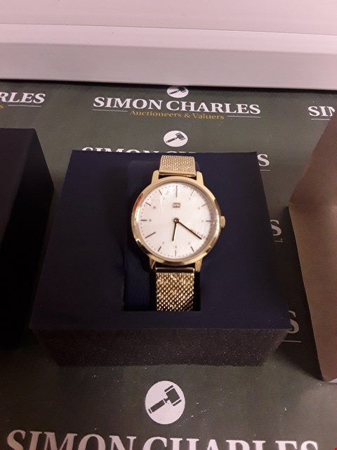 Lot 2371 TOMMY HILFIGER MOTHER OF PEARL DIAL GOLD WATCH RRP £165.00