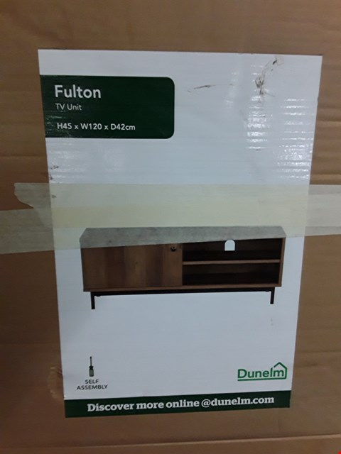 Lot 735 BOXED FULTON TV UNIT