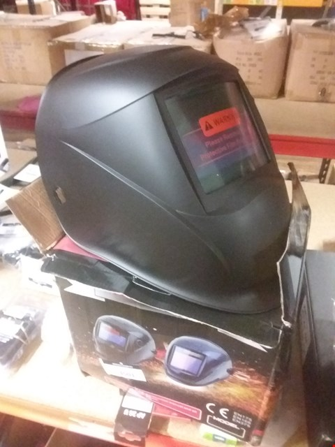 Lot 3501 AUTOMATIC WELDING HELMET WITH AUTO-DARKENING LCD FILTER