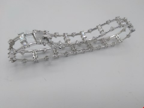 Lot 15 18CT WHITE GOLD DIAMOND BRACELET, GOLD WEIGHT +10 GRAMS, DIAMOND WEIGHT +2.68CT RRP £7500.00