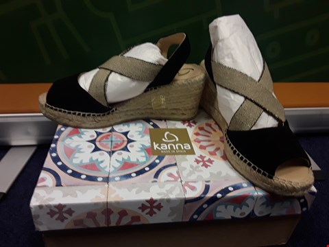 Lot 4066 BRAND NEW BOXED KANNA ANTE WEDGE ESPADRILLE SAND SIZE 3
