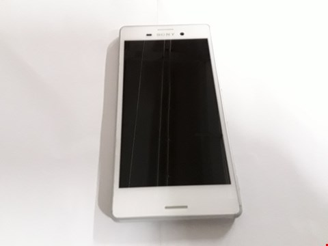 Lot 1045 SONY XPERIA MOBILE PHONE - WHITE