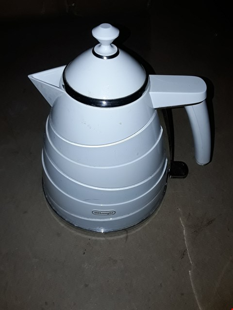 Lot 714 DE'LONGHI AVVOLTA KETTLE