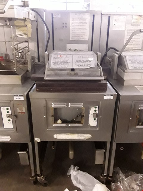 Lot 13506 COMMERCIAL STAINLESS STEEL HENNY PENNY FRYER