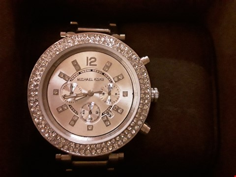 Lot 6137 BOXED MICHAEL KORS STAINLESS STEEL JEWELLED WOMENS WRISTWATCH